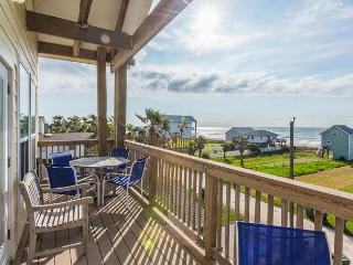 Spacious & Sundrenched Home in Galveston- Sleeps 12