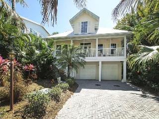 Captiva Village Area Luxury Home with Pool near Beach, Île de Captiva