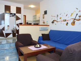 Studio apartment near the main bus station Zadar
