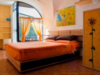 Nice and cosy Studio in typical Ligurian village, Pompeiana