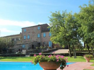 2 bedroom Villa in Cortona, Tuscany, Italy : ref 5229600