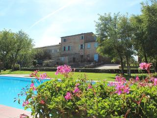 Cortona Villa Sleeps 26 with Pool Air Con and WiFi - 5229603