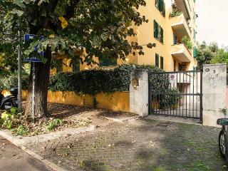 2 bedroom Apartment in Rome, Latium, Italy : ref 5229609