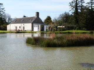 House with private fishing lake in Manche Normandy, Varenguebec