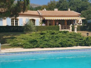 Villa provençale avec piscine et tennis privés,, Saint-Vallier-de-Thiey