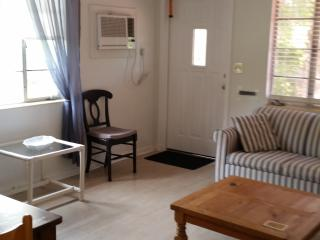 Prime downtown one bedroom minutes from the beach, Lake Worth