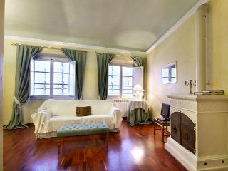 Cappelle Suite III apartment in San Lorenzo {#has…, Borgo San Lorenzo