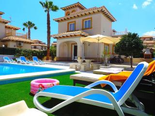 Beautiful Villa in Cabo Roig