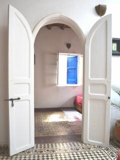 ENTRANCE TO TWIN ROOM
