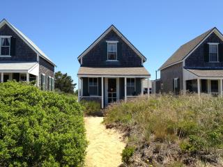 Beach cottage #8 on Corn Hill...stunning sunsets, Truro