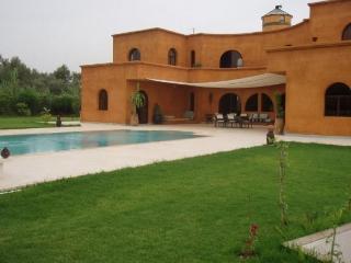 Superbe villa 4 chambres avec piscine, Marrakech