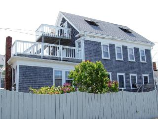 Pet Friendly/On-site parking for 2 cars/NoSmoking, Provincetown