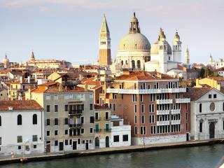 Luxury Zattere large apt. with fantastic views., City of Venice