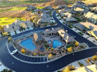 Red Rock ~ 2733 sq ft 3 bed 3.5 bath home across from the pool at Coral Ridge