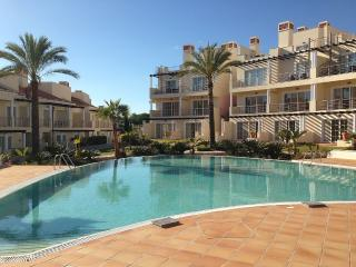 Luxury 4 Bedroom Townhouse in Palmyra, Vila Sol