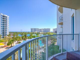 Palms 2509 Jr Suite-5th FL-AVAIL 7/29-8/5 -RealJOY Fun Pass- Shuttle2Bch, Destin