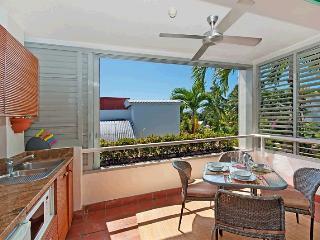 311 Club Tropical - Budget Accommodation, Port Douglas
