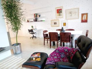One bedroom apartment really calm,  with services, São Paulo