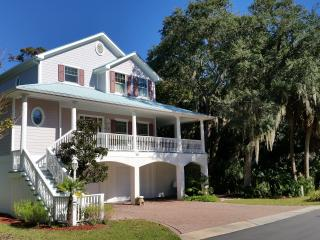 Spacious Custom Home with Panoramic Views, Fripp Island
