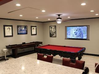 Awesome Views, Game Room, 2.5 Miles to Strip, Las Vegas