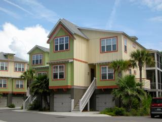 Back Bay Community - upscale lighthearted Contemporary Caribbean appeal