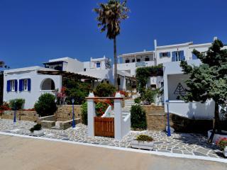Porto Vlastos Studios & Apartments, Ormos Agiou Ioannou