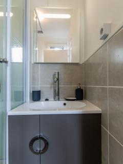 Meuble vasque et miroir