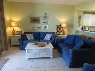 9th Floor; Right on the Beach! Free Beach Service! Must Be 25 to Rent! Sleeps 4., Panama City Beach