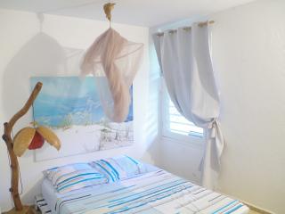 Chambre double dans coin calme et verdoyant., Petit-Bourg