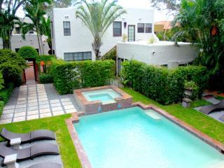 Villa Valentino 3 bedrm Pool Cottage, Miami