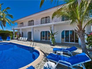 Ideal Family/Group Vacation at Villa Oceano 4 BR!