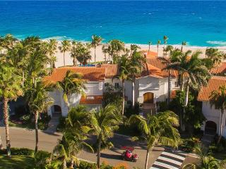 Short Walk to Swimmable Beach at Villas del Mar 212 Palmilla!