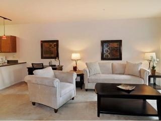 Furnished 2-Bedroom Apartment at S Highland Ave & Majestic Dr Lombard