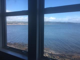 'Sea la vie'  2 bed flat in Kilchattan Bay Isle of Bute sleeps 6