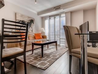 Luxury 2 Bed 2 Bath Apt in West End with Pool, Gym & Wifi, Washington DC