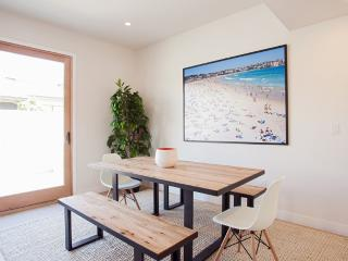 LUXURIOUS FURNISHED 3 BEDROOM 2.5 BATHROOM CONDOMINIUM, Santa Monica