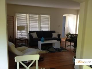 Furnished 2-Bedroom Duplex at Howard Ave & Anita Rd Burlingame