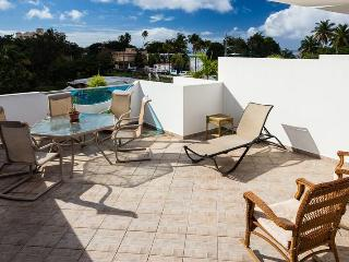 Suite 8 at WaveCoast, Beachside, Private Rooftop Terrace w/Jacuzzi &Dipping Pool