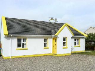 SUNSHINE COTTAGE, pet friendly, with a garden in Liscannor, County Clare, Ref 4582