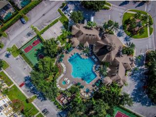 Steps to Disney, Gated 1st Class Resort, Free Wifi, Four Corners