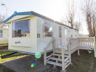 Ref 50005 8 berth caravan at California Cliffs ref Lapwing  - Large decking too!