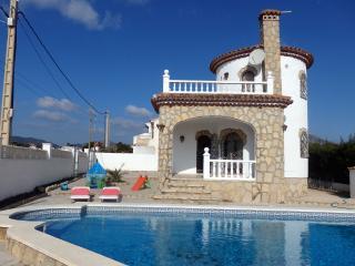 Villa con piscina privada en Miami PLatja