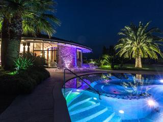 VILLA  BENEDITA   Appartamento con piscina