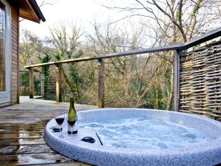 1 Streamside located in Lanreath, Cornwall