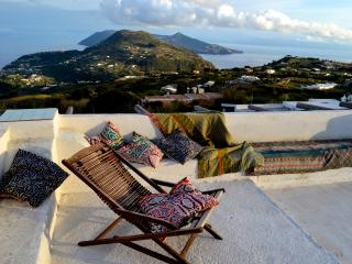 Villa Paradiso panoramica casa eoliana a Lipari