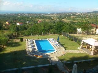 ВИЛА за гости - 40, Varna