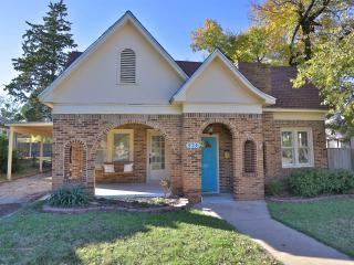 Cottage is Historic Sayles Area, Abilene