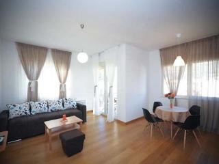Luxury one-bedroom apartment in centre of Budva