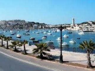 Close to promenade, beach, restaurants and pubs