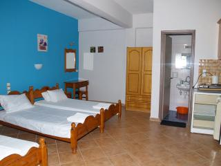 Studio, Agios Georgios